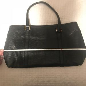 Gucci Bags - USED TWICE, Comes with dust Bag. GUCCI BAG